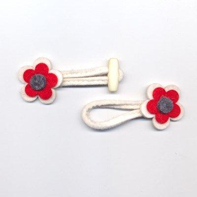 Houtje touwtje 35 mm vilt bloem ecru op=op
